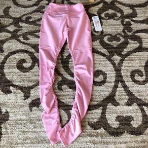 Alo Yoga Alosoft Goddess Leggings NWT Size M pink